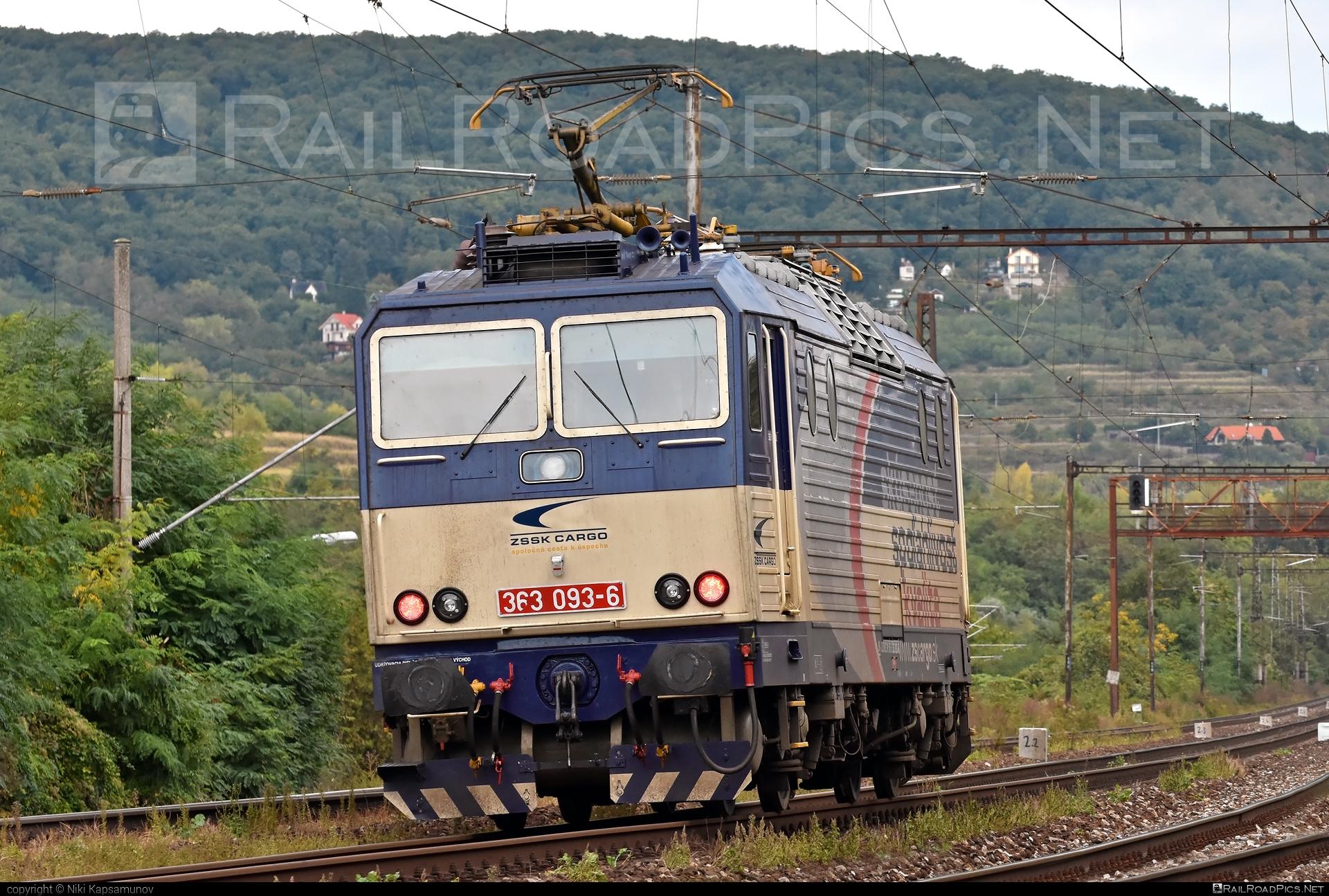 Škoda 69E - 363 093-6 operated by Železničná Spoločnost' Cargo Slovakia a.s. #ZeleznicnaSpolocnostCargoSlovakia #es4991 #eso #locomotive363 #skoda #skoda69e #zsskcargo