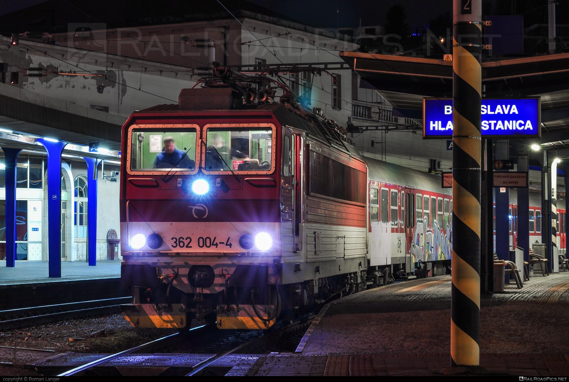 Škoda 69Er - 362 004-4 operated by Železničná Spoločnost' Slovensko, a.s. #ZeleznicnaSpolocnostSlovensko #eso #locomotive362 #rychleeso #skoda #skoda69er #zssk