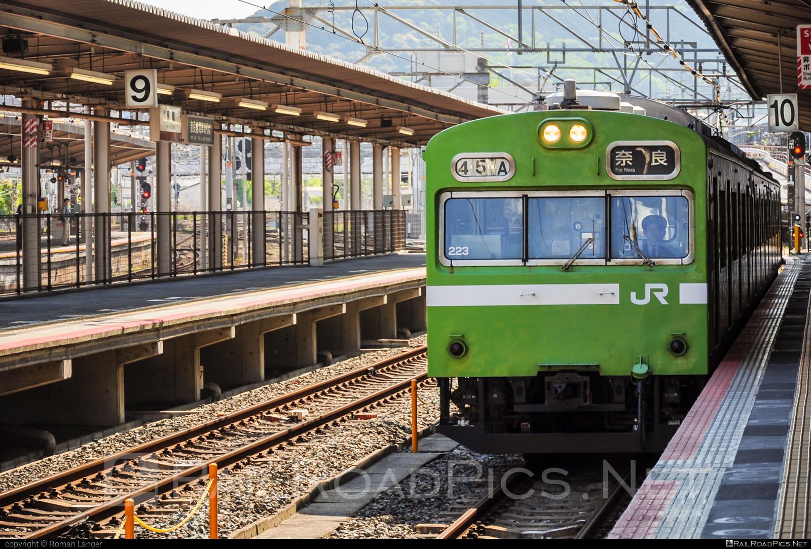 JNR Series 103 - 223 operated by JR West #jnr #jnr103series #jnrseries103 #jr103series #jrseries103 #jrwest