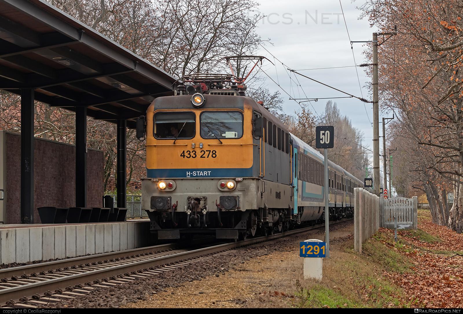 Ganz-MÁVAG VM14-20 - 433 278 operated by MÁV-START ZRt. #ganz43 #ganz431 #ganzmavag #ganzmavag43 #ganzmavag431 #ganzmavagvm1420 #mav #mavstart #mavstartzrt #v43locomotive
