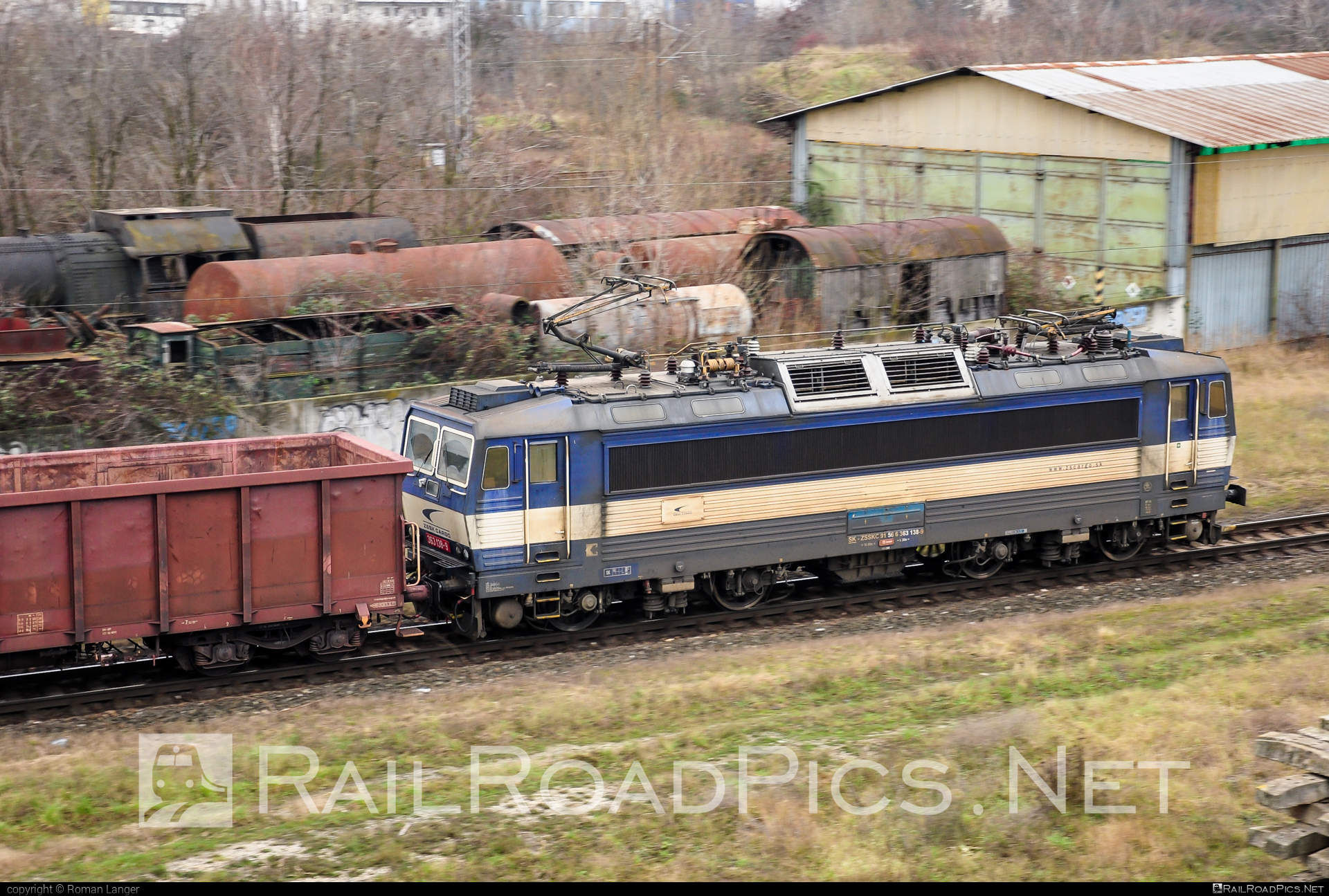 Škoda 69E - 363 138-9 operated by Železničná Spoločnost' Cargo Slovakia a.s. #ZeleznicnaSpolocnostCargoSlovakia #es4991 #eso #locomotive363 #skoda #skoda69e #zsskcargo