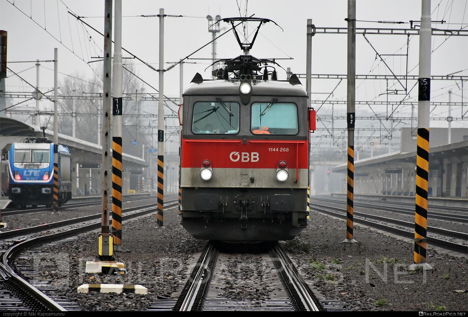 SGP ÖBB Class 1144 - 1144 268 operated by Rail Cargo Austria AG #obb #obbclass1144 #osterreichischebundesbahnen #rcw #sgp #sgp1144 #simmeringgrazpauker