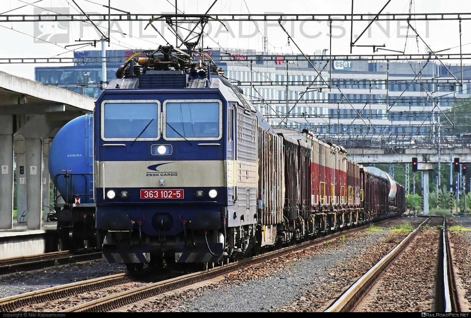 Škoda 69E - 363 102-5 operated by Železničná Spoločnost' Cargo Slovakia a.s. #ZeleznicnaSpolocnostCargoSlovakia #es4991 #eso #locomotive363 #skoda #skoda69e #zsskcargo