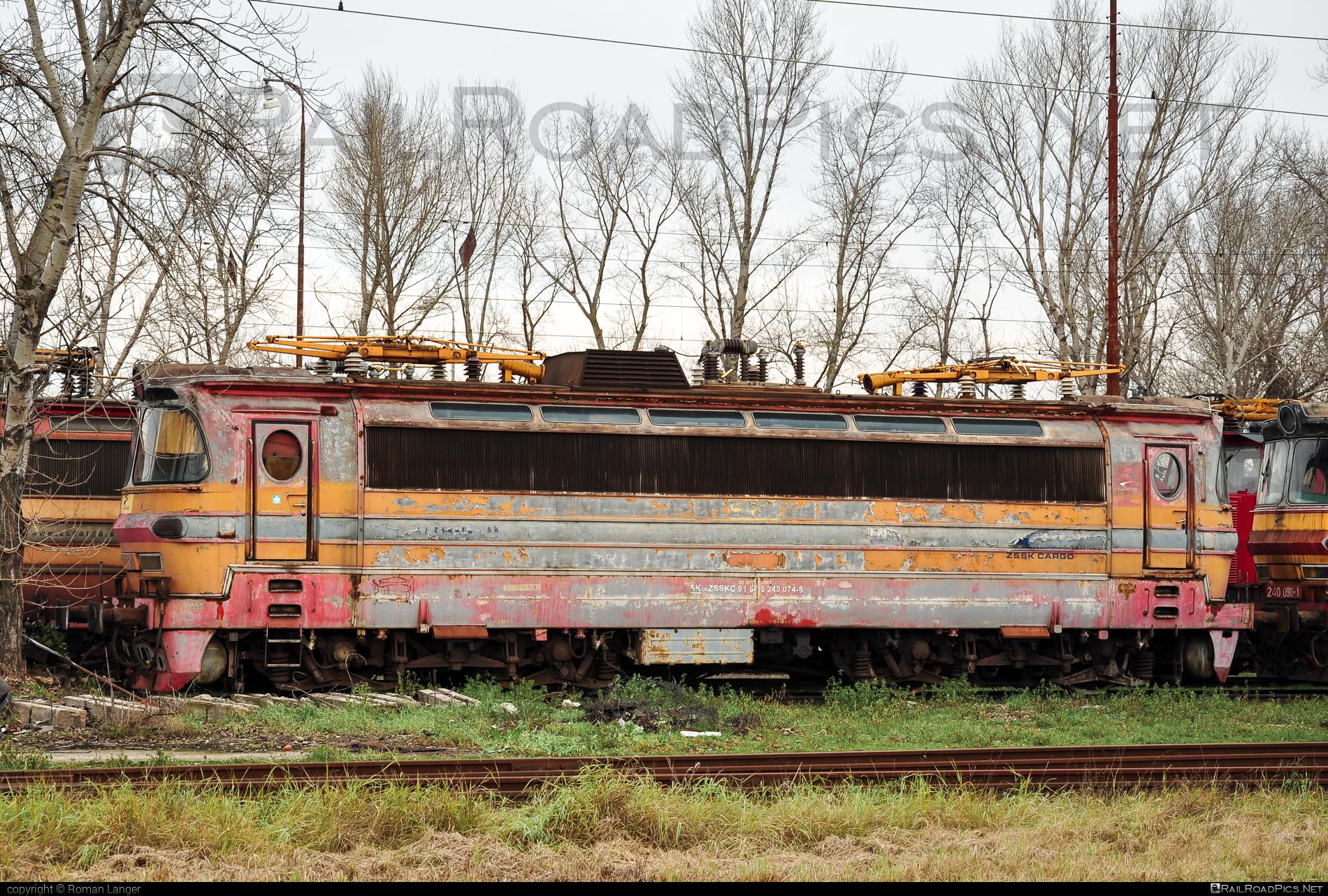 Škoda 47E - 240 074-5 operated by Železničná Spoločnost' Cargo Slovakia a.s. #ZeleznicnaSpolocnostCargoSlovakia #ZeleznicnaSpolocnostSlovensko #laminatka #locomotive240 #skoda #skoda47e #zssk #zsskcargo