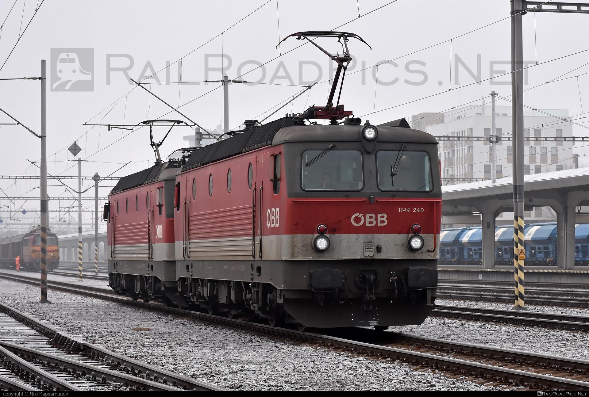 SGP ÖBB Class 1144 - 1144 240 operated by Rail Cargo Austria AG #obb #obbclass1144 #osterreichischebundesbahnen #rcw #sgp #sgp1144 #simmeringgrazpauker