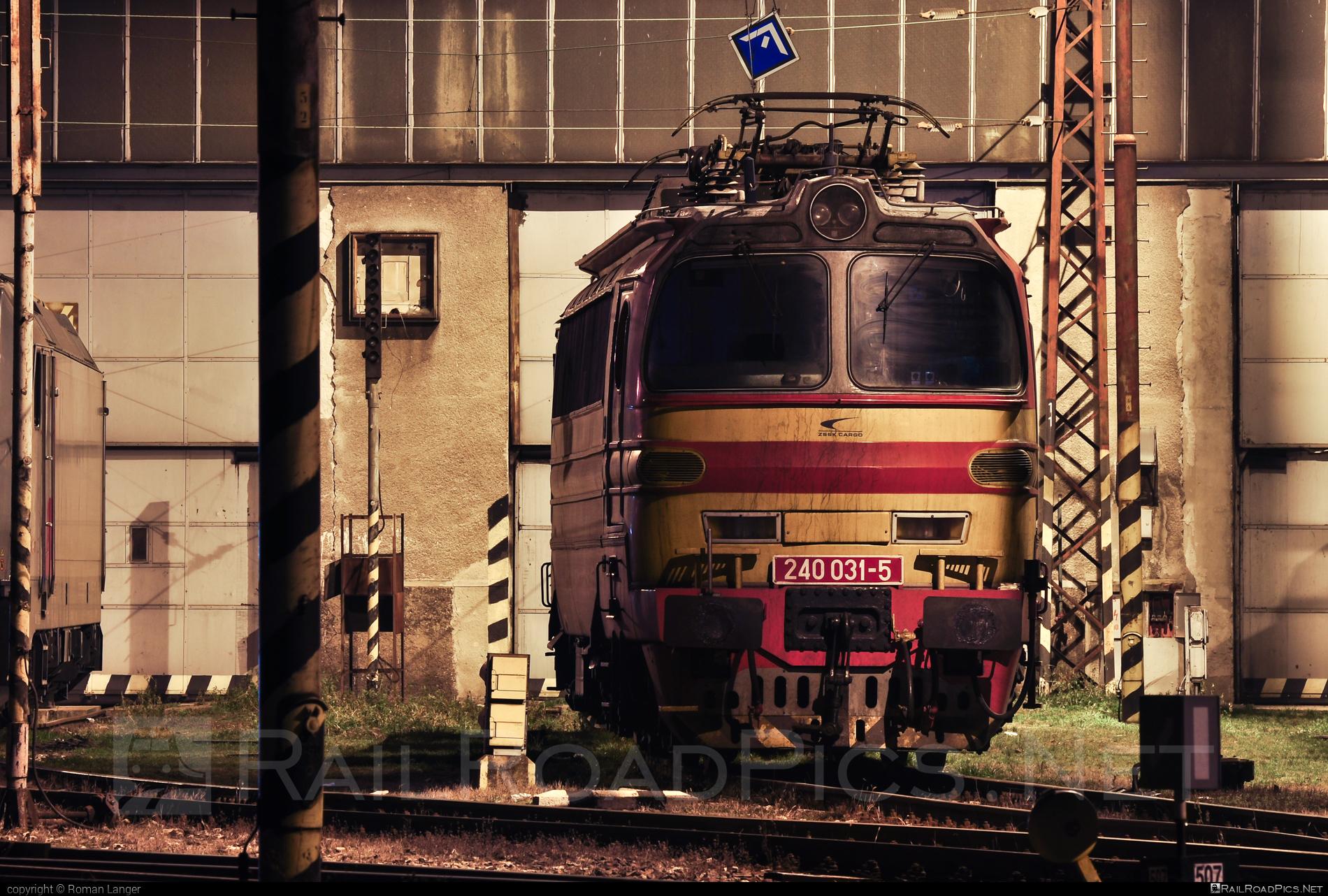 Škoda 47E - 240 031-5 operated by Železničná Spoločnost' Cargo Slovakia a.s. #ZeleznicnaSpolocnostCargoSlovakia #ZeleznicnaSpolocnostSlovensko #laminatka #locomotive240 #skoda #skoda47e #zssk #zsskcargo