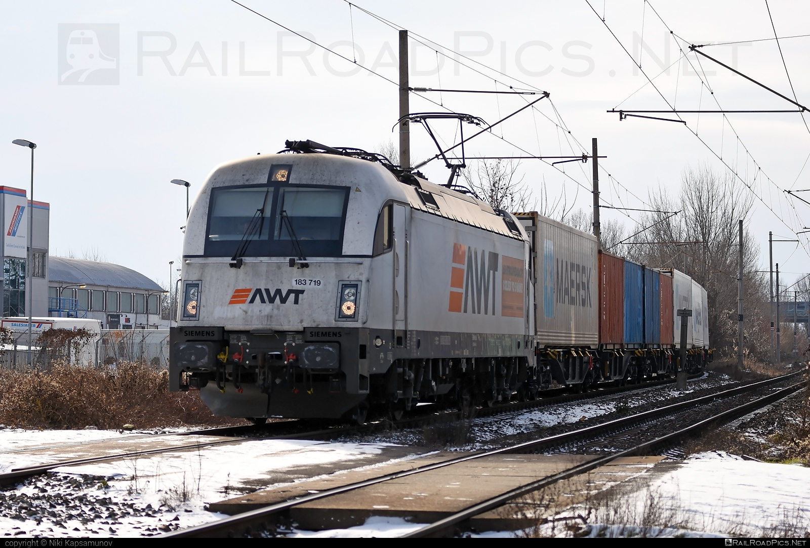 Siemens ES 64 U4 - 183 719 operated by PKP CARGO INTERNATIONAL a.s. #awt #container #es64 #es64u #es64u4 #eurosprinter #flatwagon #pkpcargo #pkpcargointernational #pkpcargointernationalas #siemens #siemenses64 #siemenses64u #siemenses64u4 #siemenstaurus #taurus #tauruslocomotive