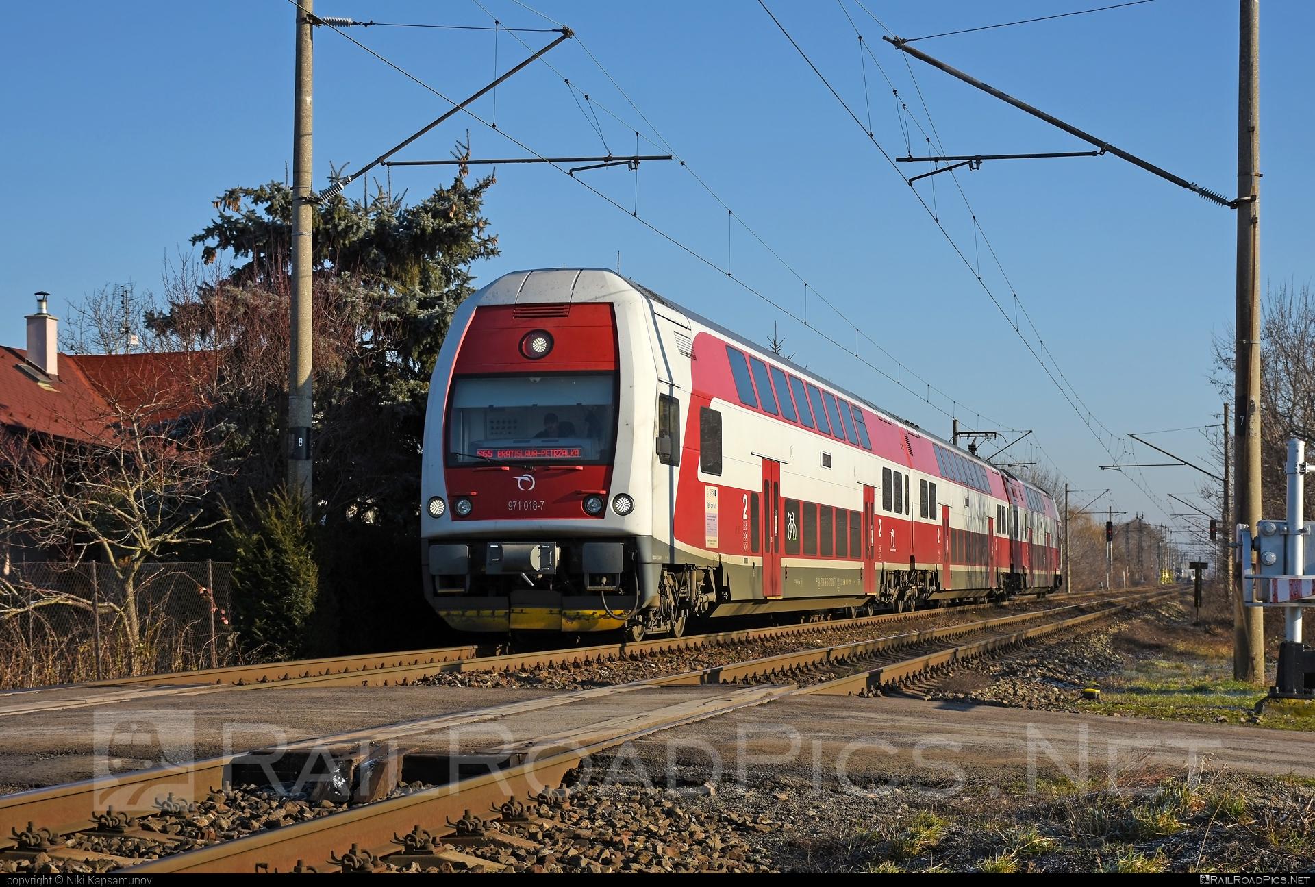 Škoda 4Ev - 971 018-7 operated by Železničná Spoločnost' Slovensko, a.s. #ZeleznicnaSpolocnostSlovensko #emu671 #skoda #skoda4ev #skodaclass671 #zssk