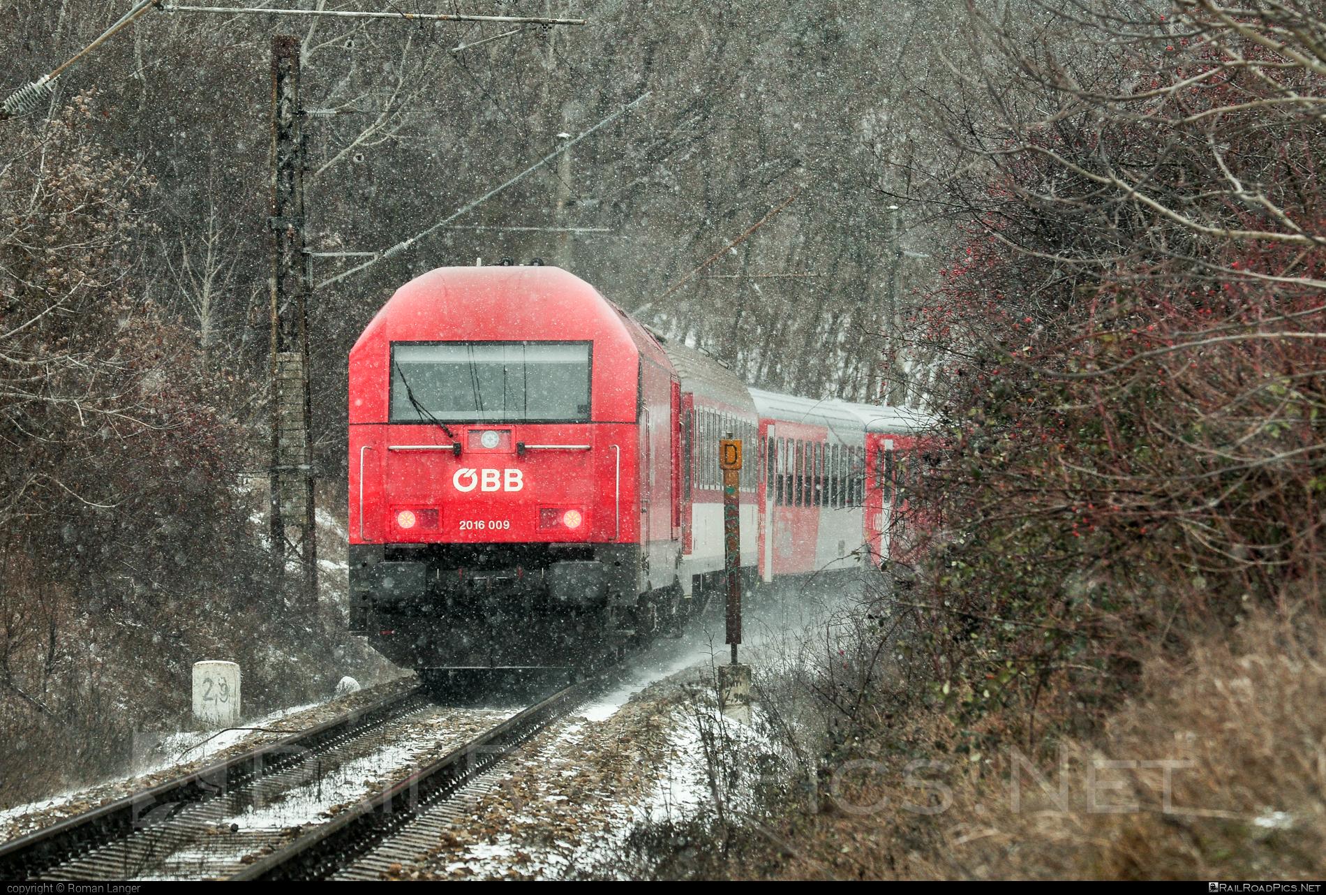 Siemens ER20 - 2016 009 operated by Österreichische Bundesbahnen #er20 #er20hercules #eurorunner #hercules #obb #osterreichischebundesbahnen #siemens #siemenser20 #siemenser20hercules #siemenseurorunner #siemenshercules