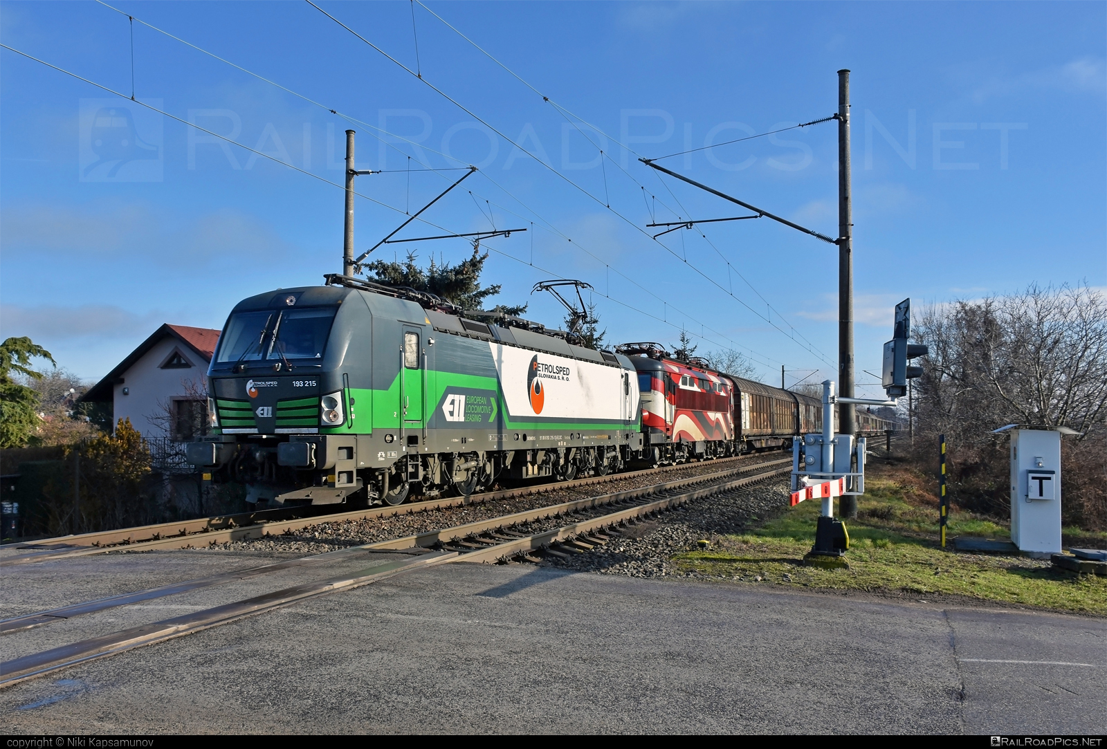 Siemens Vectron MS - 193 215 operated by PETROLSPED Slovakia s.r.o. #ell #ellgermany #eloc #europeanlocomotiveleasing #petrolsped #siemens #siemensvectron #siemensvectronms #vectron #vectronms