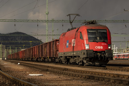 Siemens ES 64 U2 - 1116 002 operated by Rail Cargo Hungaria ZRt.