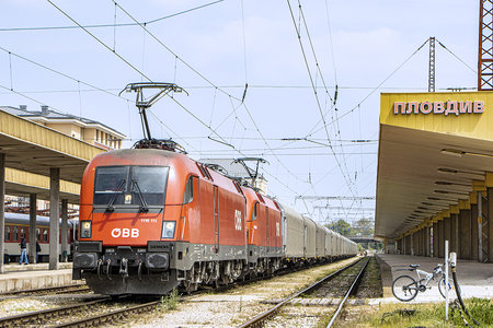 Siemens ES 64 U2 - 1116 111 operated by Rail Cargo Carrier - Bulgaria