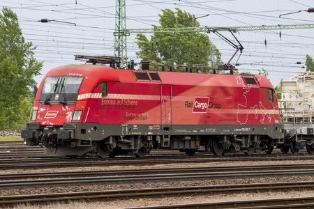 Siemens ES 64 U2 - 1116 016 operated by Rail Cargo Hungaria ZRt.