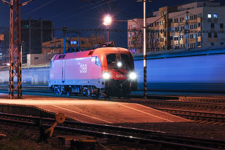 Siemens ES 64 U2 - 1116 124-9 operated by Rail Cargo Austria AG