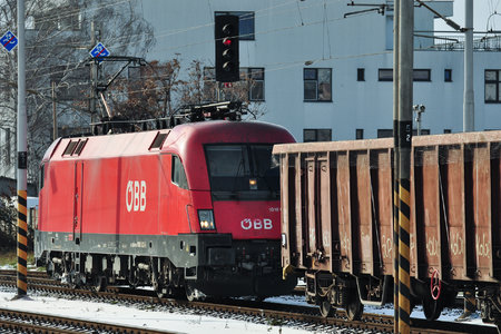 Siemens ES 64 U2 - 1016 032 operated by Rail Cargo Austria AG
